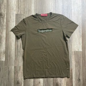 90's Men's Supreme Spell Out Stitched Green Tee